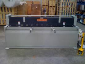 New Fintek Hydraulic Metal Guillotine 2500 x 3mm - picture3' - Click to enlarge