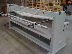 New Fintek Hydraulic Metal Guillotine 2500 x 3mm - picture2' - Click to enlarge