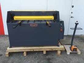 1300mm x 2mm Hydraulic in 240V or 415Volt - picture12' - Click to enlarge