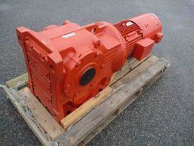 SEW EURODRIVE REDUCTION BOX MOTOR/ 20RPM - picture1' - Click to enlarge