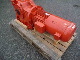 SEW EURODRIVE REDUCTION BOX MOTOR/ 20RPM - picture2' - Click to enlarge
