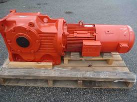 SEW EURODRIVE REDUCTION BOX MOTOR/ 20RPM - picture3' - Click to enlarge
