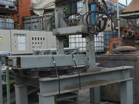 Large fabricated hydraulic press - picture0' - Click to enlarge