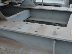 Large fabricated hydraulic press - picture3' - Click to enlarge