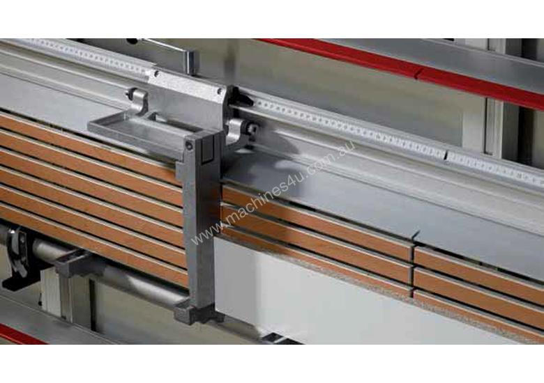 STRIEBIG COMPACT 5207 VERTICAL PANEL SAW