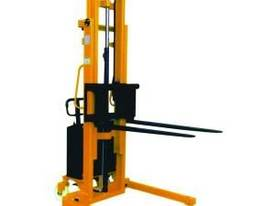 Semi Electric Powered Straddle Stacker - picture0' - Click to enlarge