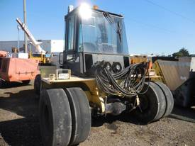HYSTER H12.00-12EC 7 TON CONTAINER HANDLER - picture4' - Click to enlarge