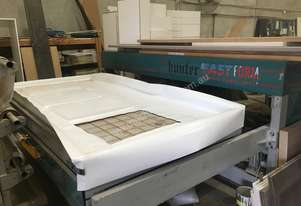 Hunter Vinyl door press
