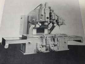 MILLING MACHINE - picture0' - Click to enlarge