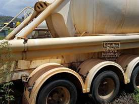 Steel BPT Semi Tanker. EMUS NQ - picture8' - Click to enlarge