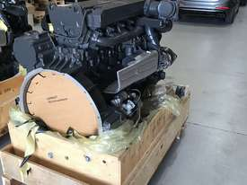 Mercedes-Benz OM926LA 325HP (240kW) Diesel Engine  - picture3' - Click to enlarge