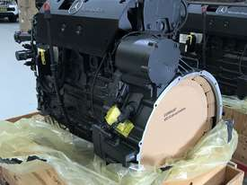 Mercedes-Benz OM926LA 325HP (240kW) Diesel Engine  - picture7' - Click to enlarge