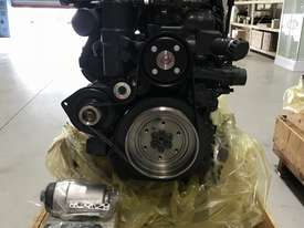 Mercedes-Benz OM926LA 325HP (240kW) Diesel Engine  - picture17' - Click to enlarge