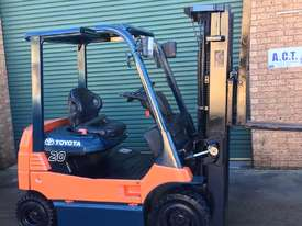 Four Wheel Electric Toyota Forklift - picture0' - Click to enlarge