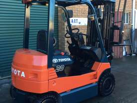 Four Wheel Electric Toyota Forklift - picture1' - Click to enlarge