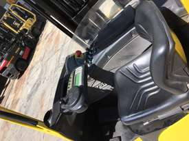 1.5 Sit Down Reach Truck - picture1' - Click to enlarge