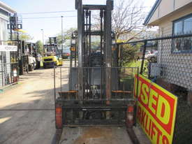 Samsung 2.5 ton LPG Used Forklift - picture2' - Click to enlarge