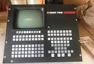 NUM 750 Controller keyboard and screen