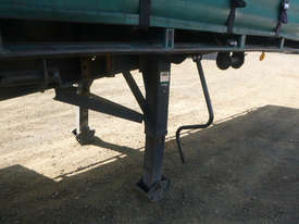 Barker Semi Curtainsider Trailer - picture17' - Click to enlarge