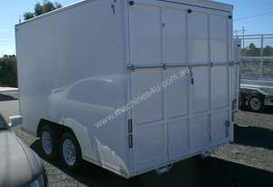 Cstmac Enclosed Trailer
