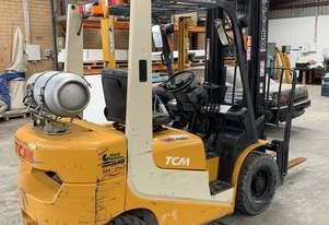 TCM 2.5 Tonne Forklift with Hydraulic Fork Positioner