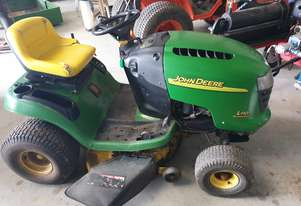 Used John Deere L110 Ride on Mower