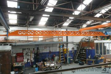 2000kg Free Standing Bridge and roof mounted crane system