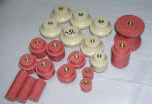 VARIOUS NEW LV POST INSULATORS - QTY 20 (MSL656)