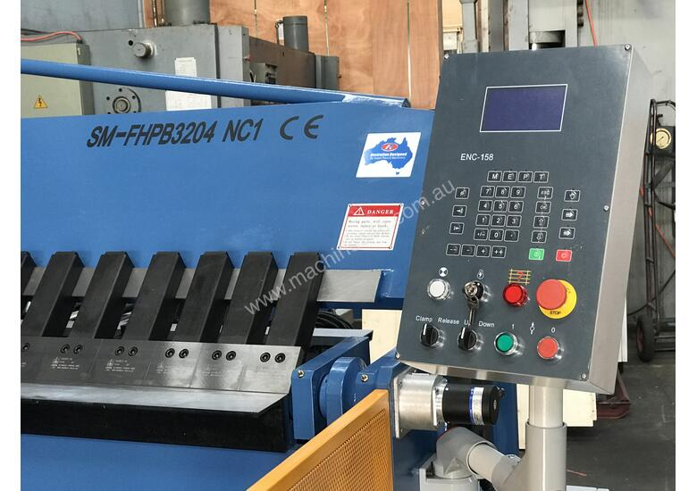 Heavy Duty Industrial 3200mm x 4mm NC Programmable Panbrake Folder with Calibrated Backgauge