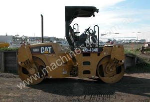 CATERPILLAR CB434D 7T TWIN DRUM ROLLER