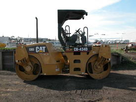 CATERPILLAR CB434D 7T TWIN DRUM ROLLER - picture1' - Click to enlarge