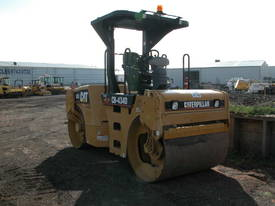 CATERPILLAR CB434D 7T TWIN DRUM ROLLER - picture2' - Click to enlarge