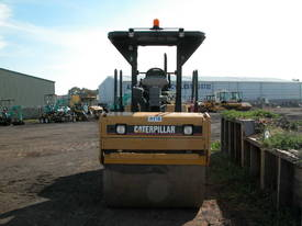 CATERPILLAR CB434D 7T TWIN DRUM ROLLER - picture3' - Click to enlarge