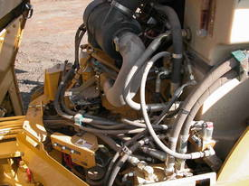 CATERPILLAR CB434D 7T TWIN DRUM ROLLER - picture5' - Click to enlarge