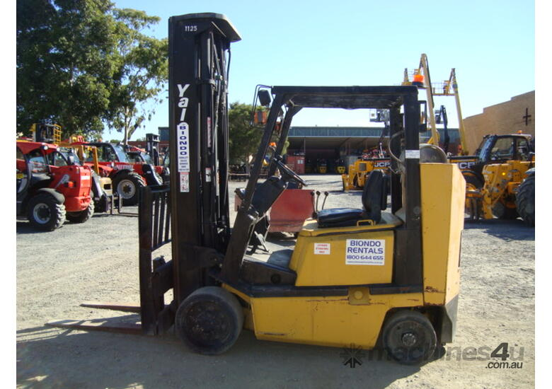 Used Yale Narrow Isle Compact Forklift