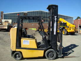 Used Yale Narrow Isle Compact Forklift - picture3' - Click to enlarge