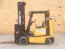 Used Yale Narrow Isle Compact Forklift - picture0' - Click to enlarge