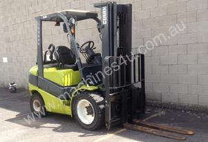 3 Tonne LPG (Gas) Forklift FOR HIRE *** Clark C30L