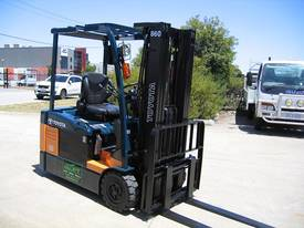 TOYOTA 7FBE18 with NEW TYRES and NEW PAINT - picture2' - Click to enlarge