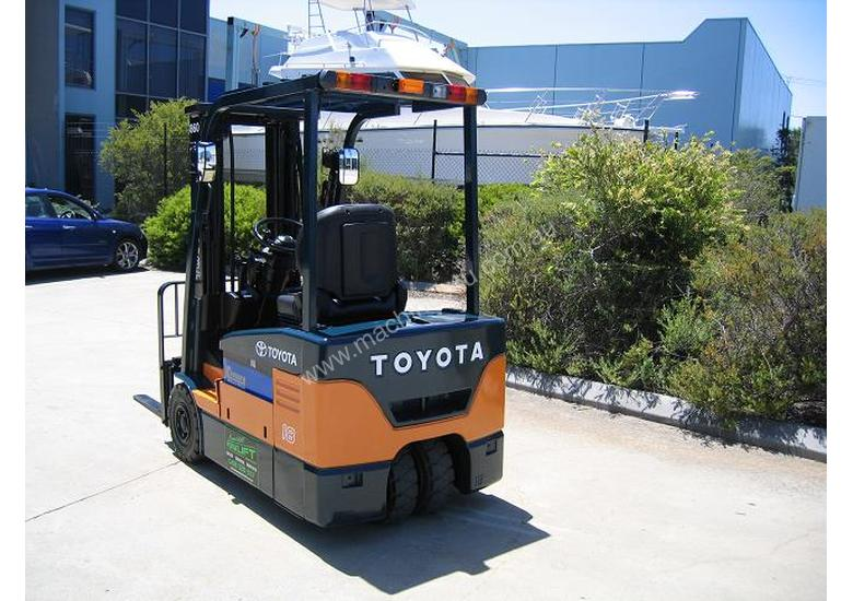 TOYOTA 7FBE18 with NEW TYRES and NEW PAINT