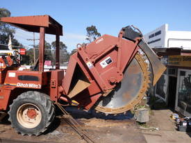 ditch witch 8020 rocksaw , 2000 model , 760hrs ,  - picture2' - Click to enlarge