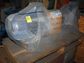 KSB CENTRIFUGAL PUMP 5.5kw, 415V  - picture3' - Click to enlarge