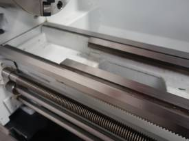 360mm Swing Centre Lathe, 50mm Spindle Bore - picture4' - Click to enlarge
