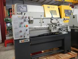 Metal Centre Lathe, 50mm Spindle Bore - picture5' - Click to enlarge