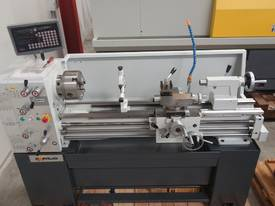 Metal Centre Lathe, 50mm Spindle Bore - picture7' - Click to enlarge