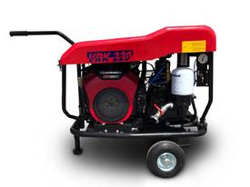 Portable Screw Compressor 22HP 76CFM Kubota - picture3' - Click to enlarge