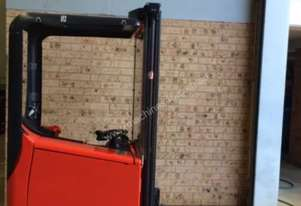 World smallest forklift linde E10