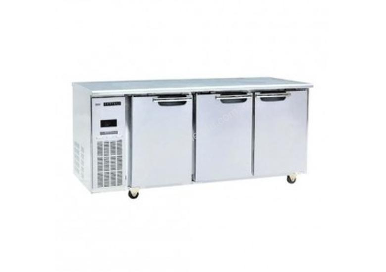 SKOPE - Centaur 3 Door Sandwich Prep Counter Fridg