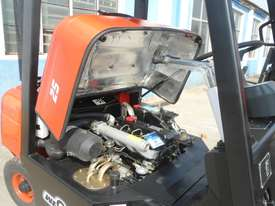 Wecan 2.5 Tonne Forklift - picture3' - Click to enlarge