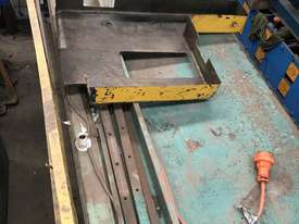 USED - Welded Products - Hydraulic Guillotine - 2.4m x 3mm - picture2' - Click to enlarge